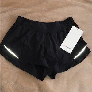 Size 6 black LuLu Lemon Hotty Hot Short II